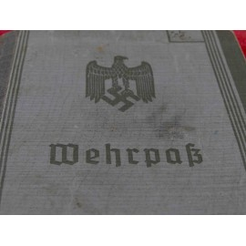 WW2 WEHRPASS AND DRIVING LICENCE