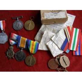 MEDALS TO THE VINER FAMILY