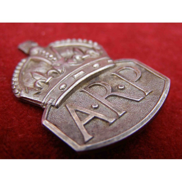 PIN BACKED AIR RAID PRECAUTIONS BADGE